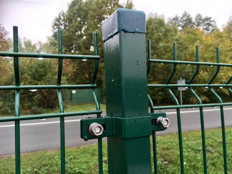 Sloupek ZN/PVC 60x40x1,5 x 220 cm